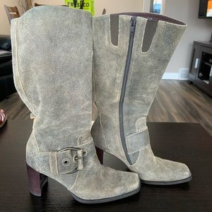 Liz Claiborne Flex distressed looking high boot